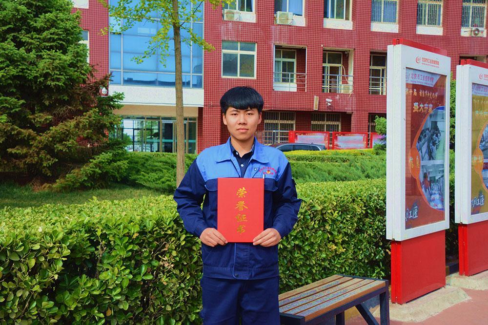 电气J1501袁松同学.jpg